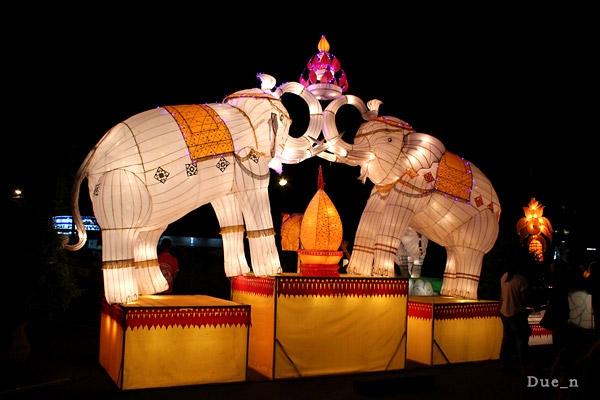 ช้างชนกัน
